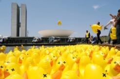 Os brasileiros pagam muuuuitos patos, mas a Fiesp é conivente com todos eles. Foto: Lucio Bernardo Jr./ Câmara dos Deputados